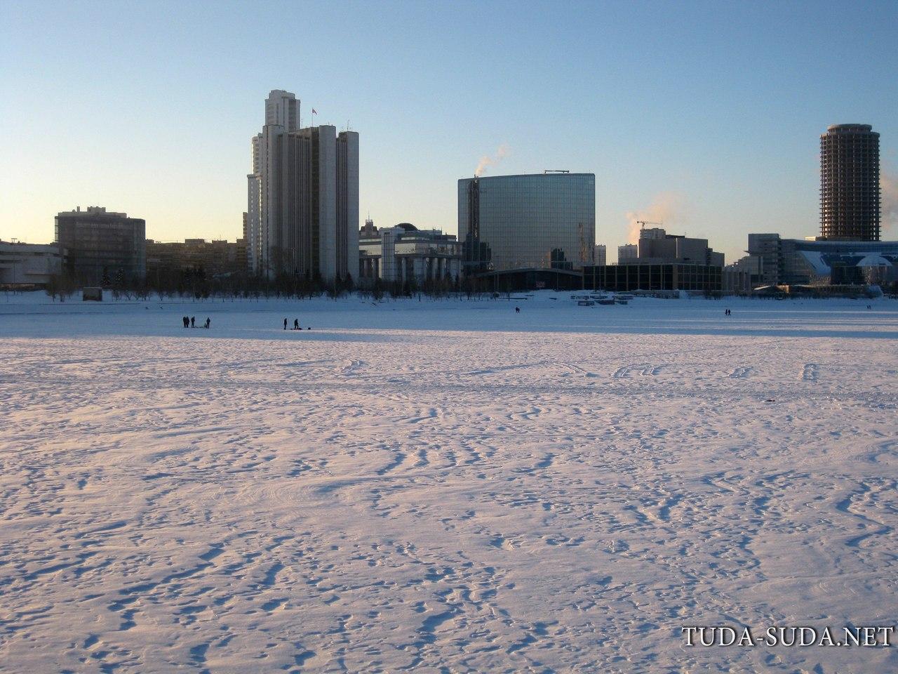 Екатеринбург плотина зима