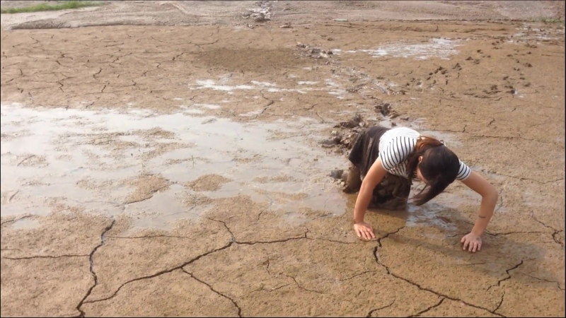 Chinese girl in Mud 2