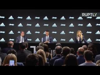 Криштиану Роналду даёт пресс-конференцию о своём переходе в «Ювентус»