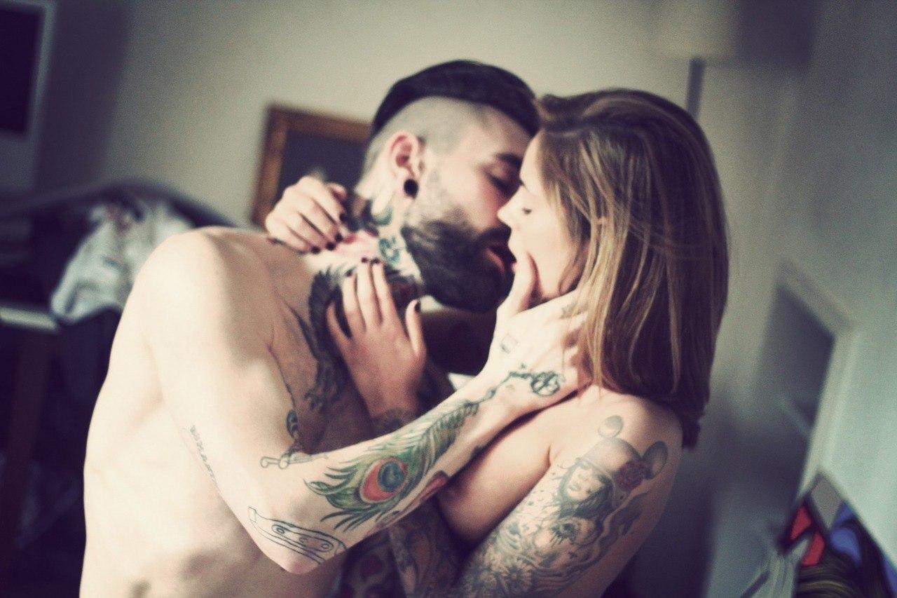 Секс с татуированными парнями 20 фотография