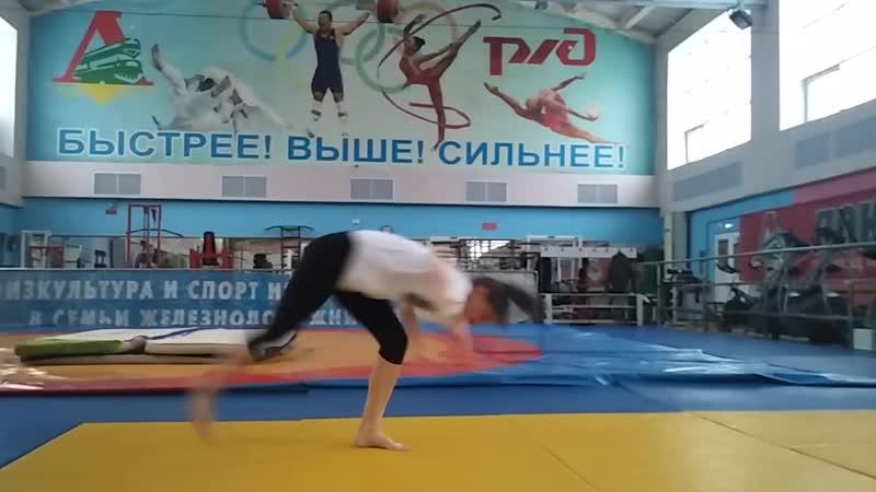 Training in Lokomotiv. Au sem mao