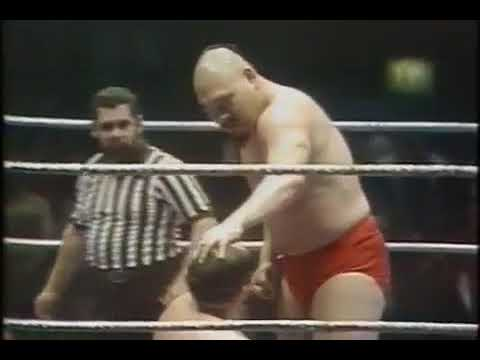 Domenic DeNucci vs Killer Khan Madison Square Garden February 16 1981 WWF