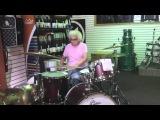 Бабушка барабанщица, новый интернет-хит
