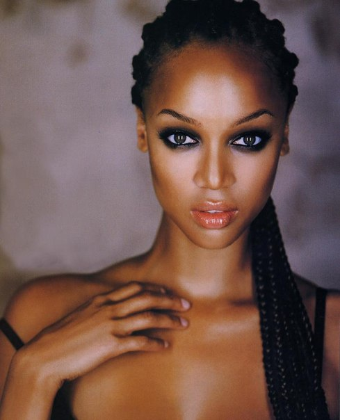 Tyra Banks Modelland: Wall