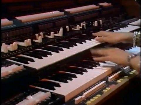 Honeysuckle Rose - Barbara Dennerlein organo, Gregor Beck batteria