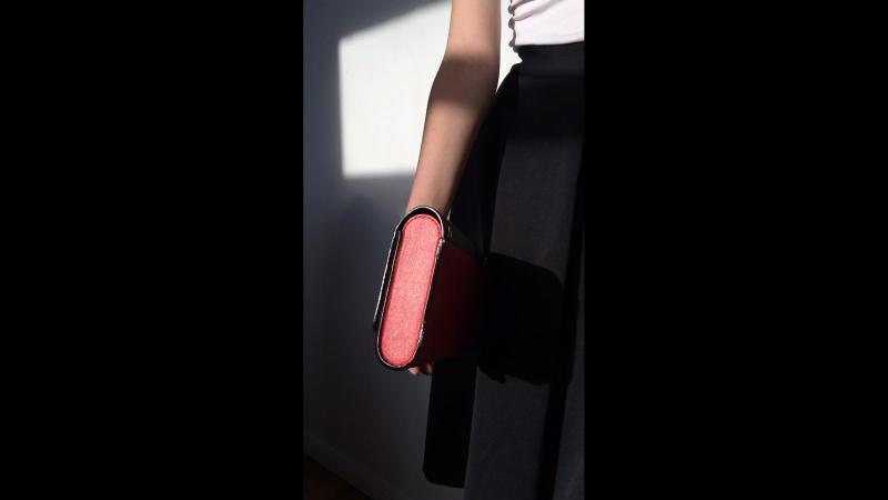 Клатч перчатка