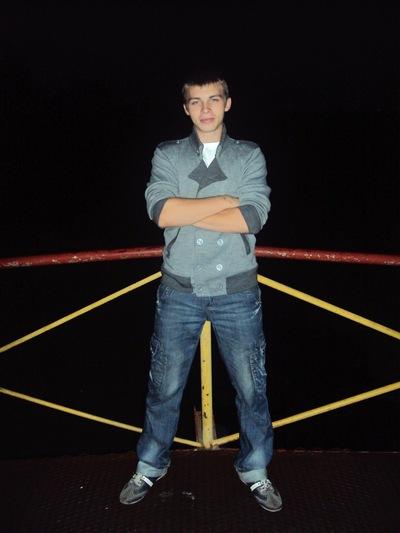 Илья Ильющенков, 5 августа 1992, Карачев, id212180718