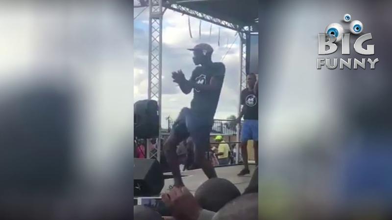 Enquanto isso na África segue o concurso de dança do bilau