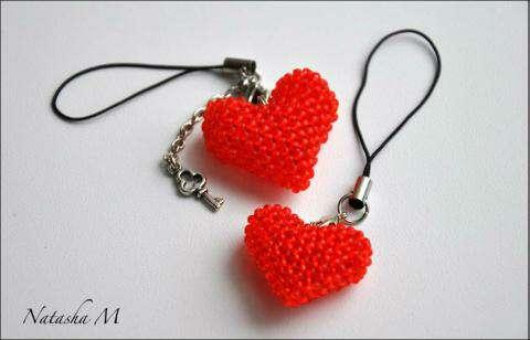 Как сделать из бисера сердечка