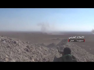 Lens media war .. clashes between the Syrian army and terrorists Daesh in Homs east