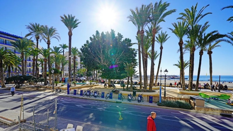 Апарт-отель в Бенидорме, Испания, у старого города и пляжей Poniente и Malpas