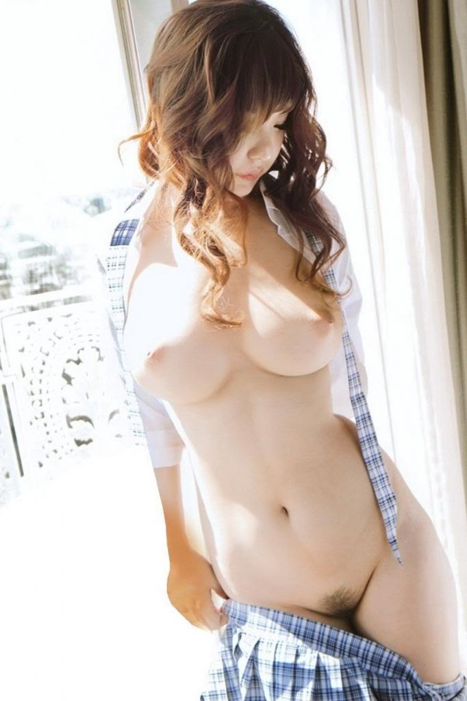 Japanese free babes, sexy babes in their twenties