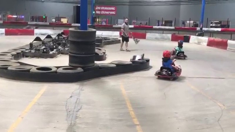 Spinning go-cart kid YOU SPIN ME RIGHT ROUND BABY (EARRAPE)