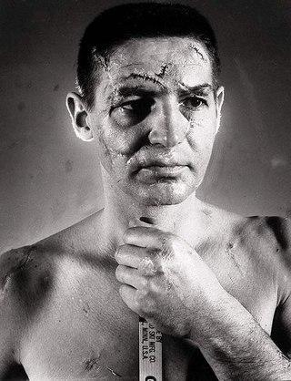 Тарас Савчук. История человека в маске без маски.