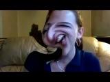 Девушка и веб камера(Очень забавная девушка)