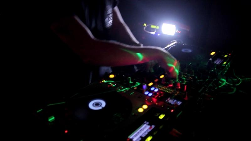 Zhdanov @ DNB Терапия by SBG - Voodoo People (Pendulum Remix)