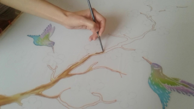 Батик. Фрагмент росписи по ткани в технике холодного батика.