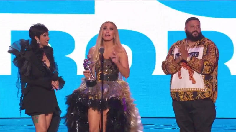 VMA 2018: Cardi B , Jennifer Lopez and DJ Khaled receive the award for best cooperation (Dinero)