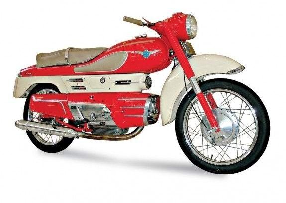 Один из самых интересных капотированных мотоциклов послевоенной поры – 250-кубовая Aermacchi Chimera 1956 года