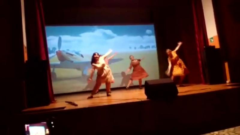 Танцевальный коллектив Созвездие - танец Первым делом самолеты
