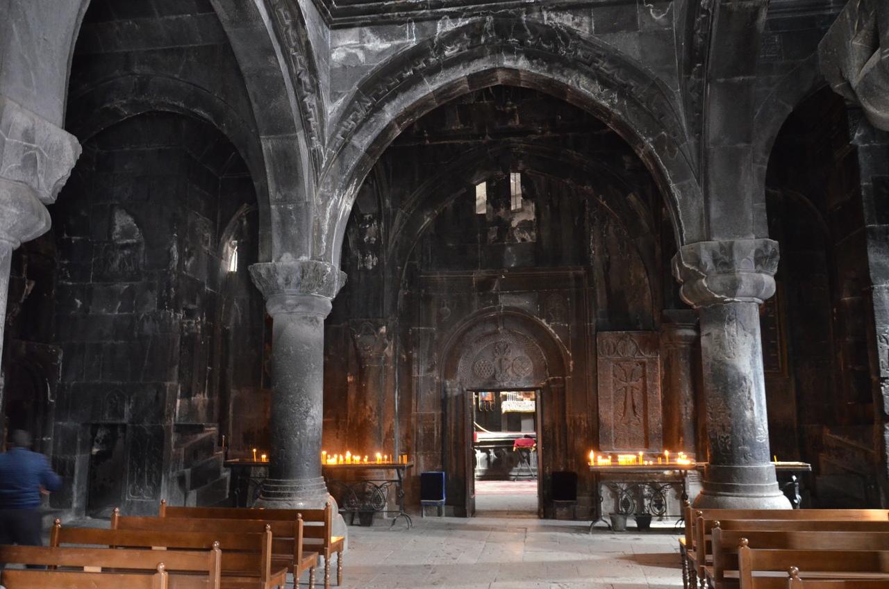 kBITWIgSbkE Монастырь Гегард в Армении.