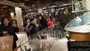 Флагманский Старбакс в Нью-Йорке. Открыт два дня назад.