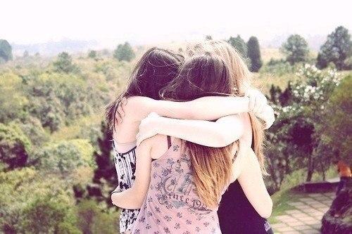 Важные люди у меня в мыслях, любимые в сердце, дорогие в душе, а кому - то может повезти трижды.
