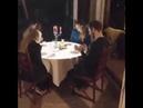Этот ресторан в Италии развлекает гостя с дополненной реальностью, используя 3D проекцию, пока их за