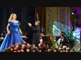 Праздничный концерт филармонического оркестра «Классика». Прямая трансляция