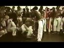 Roda de Capoeira Mestre Camisa jogando