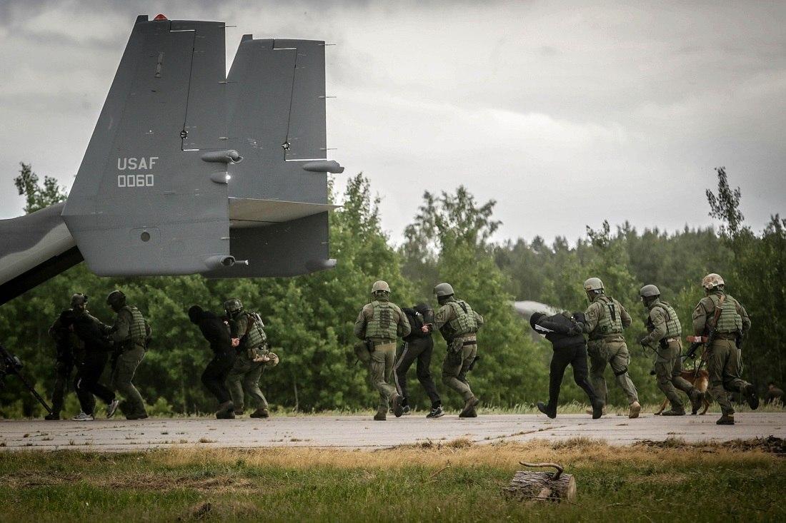 Armée lituanienne/Lithuanian Armed Forces - Page 3 LKEJa0Owi0E