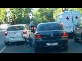 Пример очередного поведения армян: В Москве Водитель BMW в ответ на замечание хладнокровно сбил пожилого мужчину