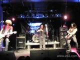 ZO2 + Kip Winger play Led Zeppelin's