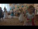 Выпускной. Танец с маракасами