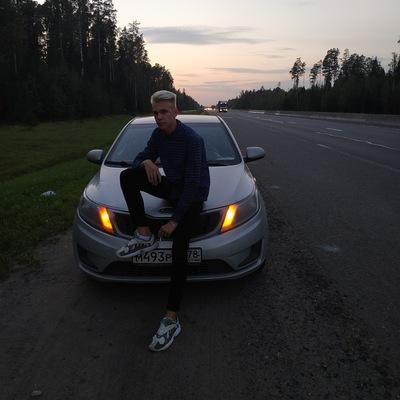 Макс Зуев