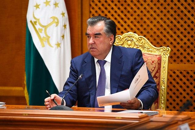 Эмомали Рахмон: только в январе в Таджикистане зафиксирован сход 244 снежных лавин