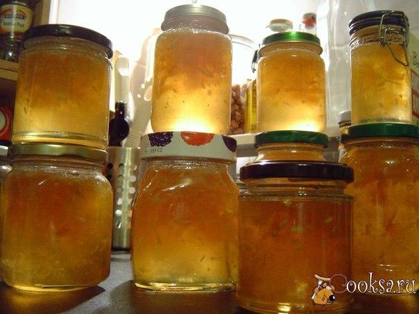 Кабачковое варенье на зиму Из обычных кабачков можно приготовить не только овощную икру, но и очень вкусное кабачковое варенье на зиму. Чтобы получить оригинальный вкус с легкой кислинкой, добавляем в рецепт свежевыжатый лимонный сок и небольшое количество мелко нарезанного корня имбиря.