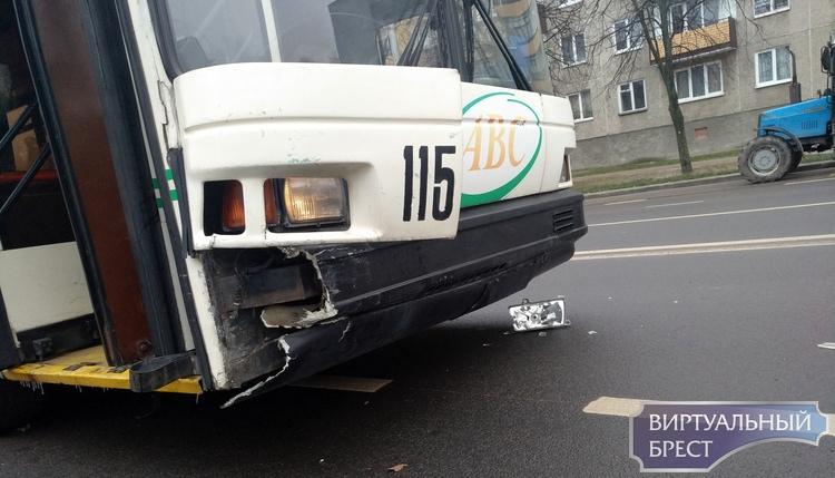 На Партизанском проспекте столкнулись троллейбус и легковушка. Кто кого?