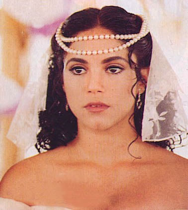 Шакира в роли Луизы-Марии в телесериале El Oasis