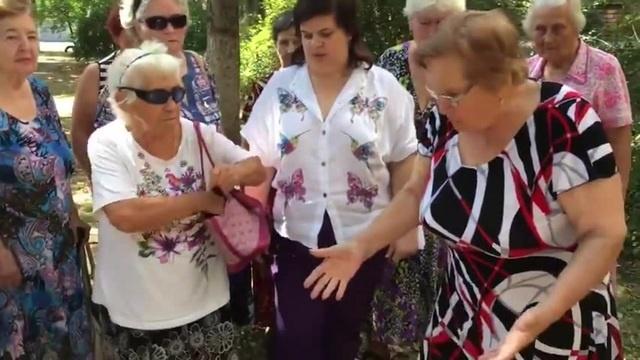 Бабка пристрелила террориста из нагана
