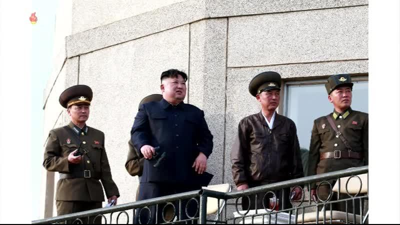 경애하는 최고령도자 김정은동지께서 조선인민군 항공 및 반항공군 제1017군부대를 찾으시고 비행훈련을 지도하시였다