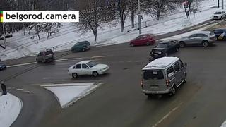 Столкновение Nissan X-Trail и Лада Приора.