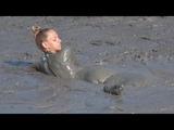 Russian Girls jums into the Volcano Mud Rus k
