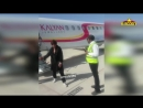 Shahrukh Khans GRAND Entry At Oman Airport For Kalyan Jewellers New Store Launc