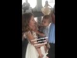 Ава танцует с малышом Boston Leo Drenk на