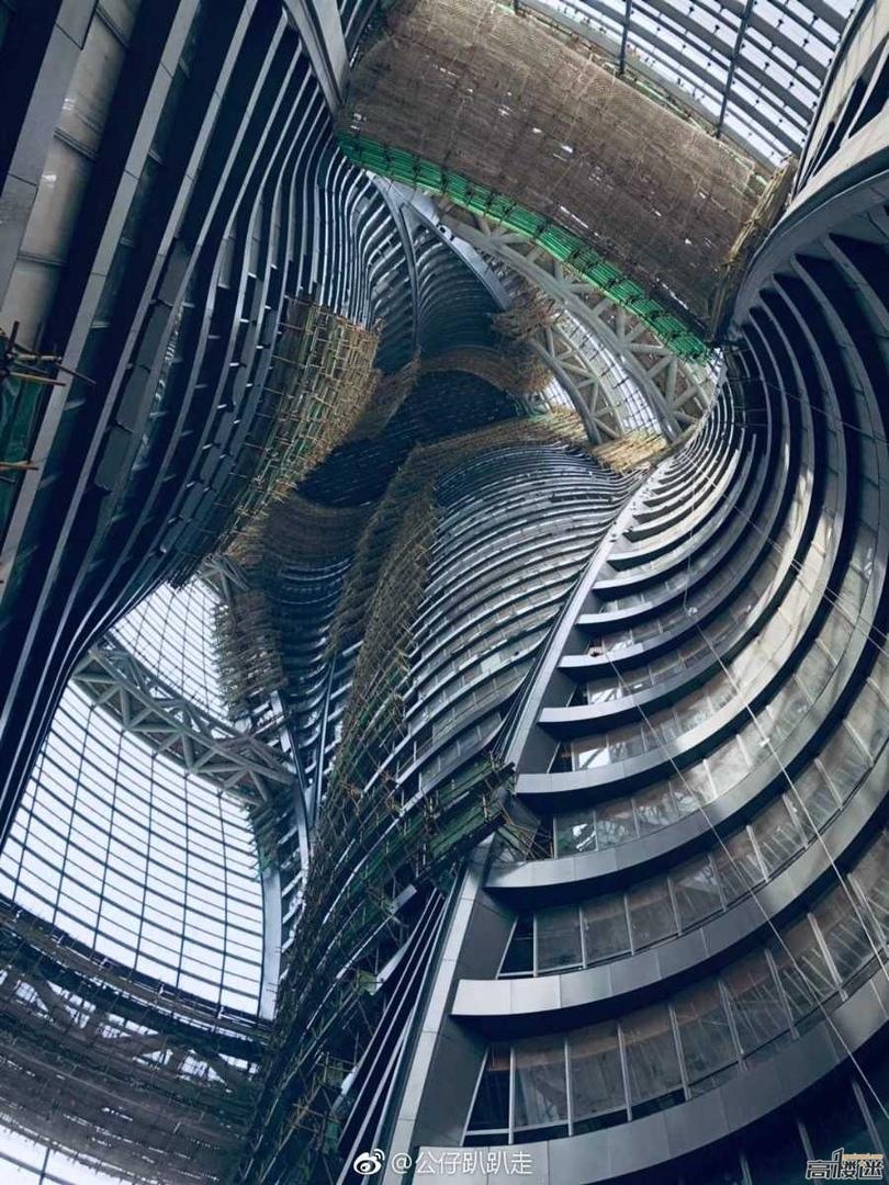 Фотографии самого высокого атриума в мире