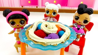 Куклы ЛОЛ и Плей До пирог. Видео для девочек.