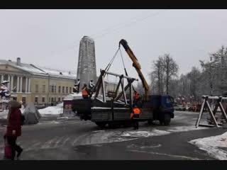 В историческом центре Владимира ставят карусели