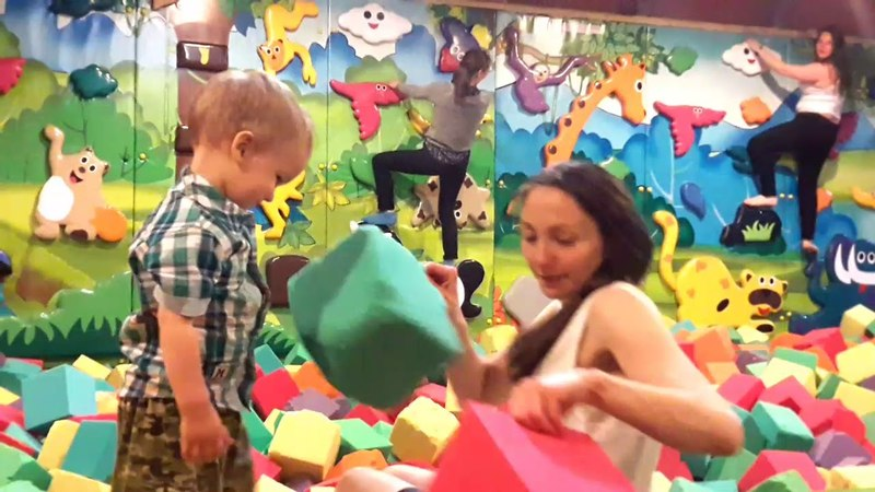 Артуру 3 годика УРаааА Аквапарк и детская комната