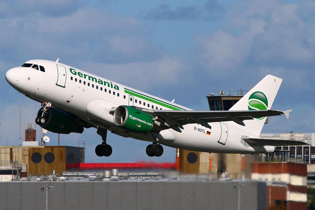 Взлет самолета Germania Airlines